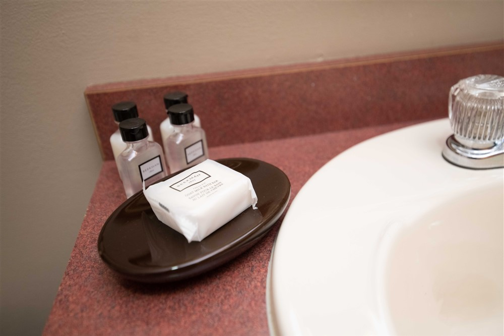 Bathroom products in Queen Double